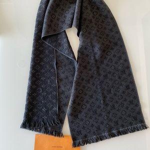 LOUIS VUITTON Wool Monogram Classic Scarf Black